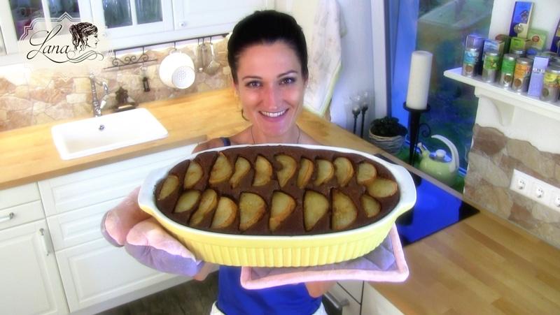 Lana präsentiert ihren Mohn-Schoko-Kuchen