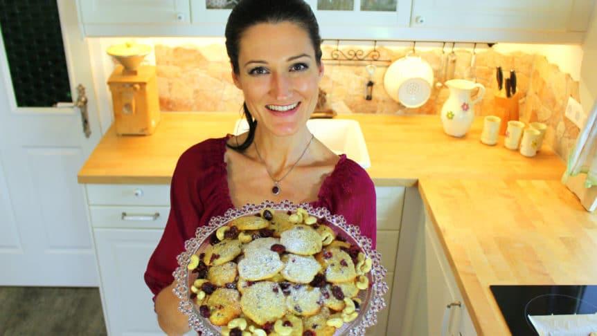 Lana mit ihren cranberry-cashew Talern