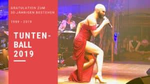 Conchita auf der Bühne beim Grazer Tuntenball. Sie performed Heroes