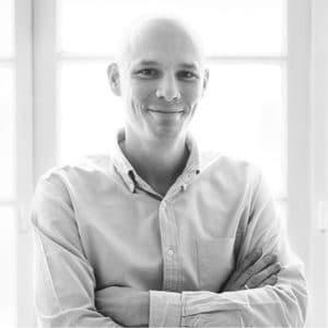 Portrait von Wolfgang Fuchs in schwarz/weiß