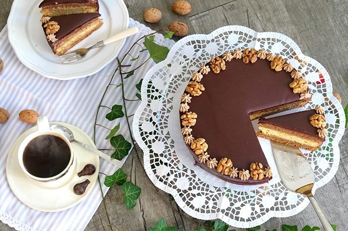 Walnuss-Biskuit-Torte_2_700