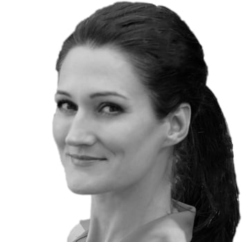 Mag. Sandra M. Exl Portrait