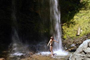 Sandra Exl beim Sörger Wasserfall