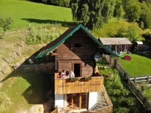Ein Troadkasten beim Urlaub am Bauernhof Schlinthof in Liebenfels, Österreich