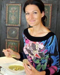 Sandra Exl beim Essen im Gesundheitshotel Spanberger in Gröbming
