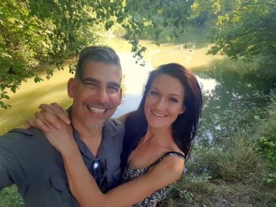 Sandra und Matthias Exl im Park vom Kurhaus Marienkron