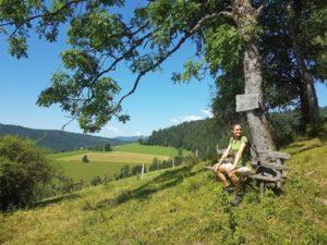Sandra Exl auf der Weide vom Urlaub am Bauernhof Schlinthof in Liebenfels, Österreich