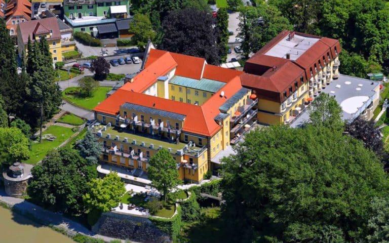 Luftbild vom Kurhaus Schärding